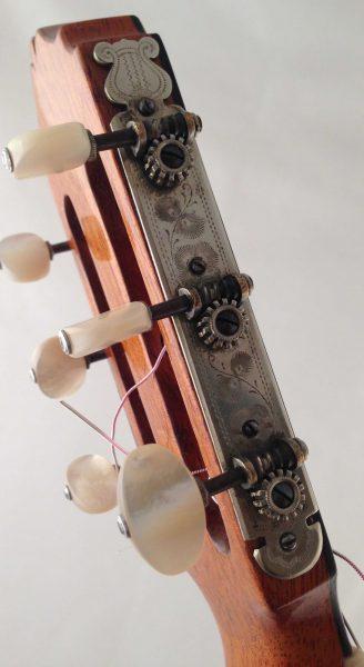Guitarra esteso 1945 clavijero