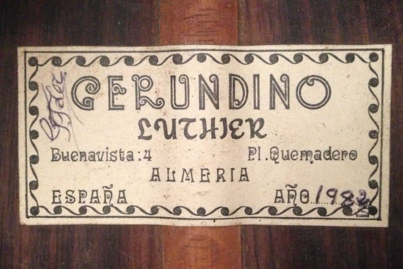 Guitarra Gerundino 1982 Etiqueta