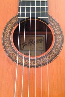 Guitarra-concierto-Jose-Ramírez-2013-roseta